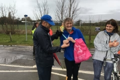 WSPH C25K runner recieves medal from club president